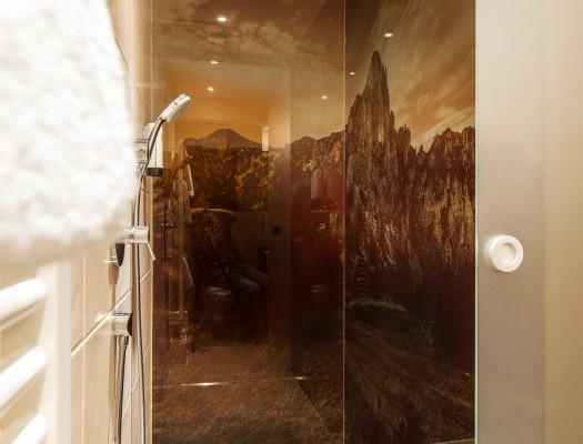 HELDsVitalhotel-ZimmerHELDenTraum-Dusche