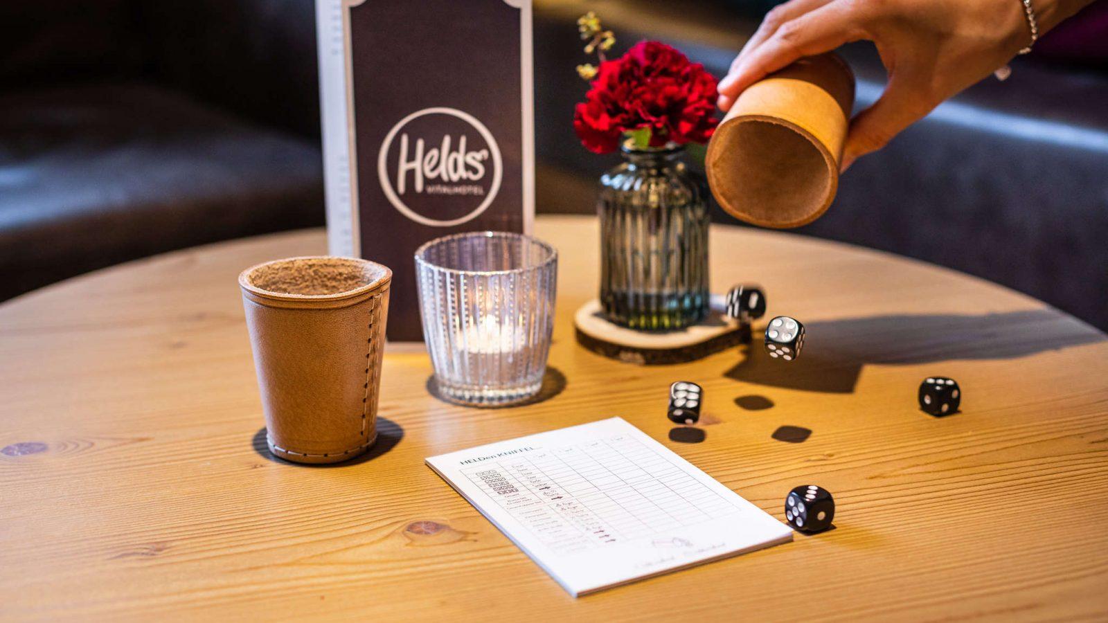 helds-vitalhotel-ruhpolding-bar_wuerfelspiel